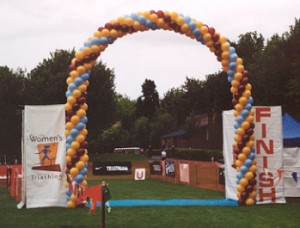 balloon decorating balloon arch